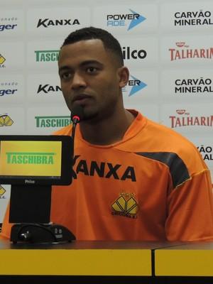 João Vitor Criciúma volante (Foto: João Lucas Cardoso)