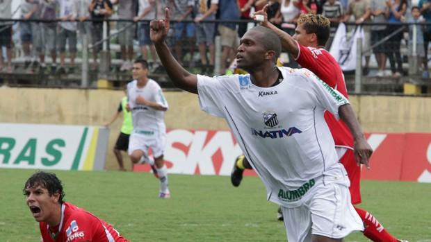 Malaquias gol Bragantino (Foto: Filipe Granado / Ag. Estado)
