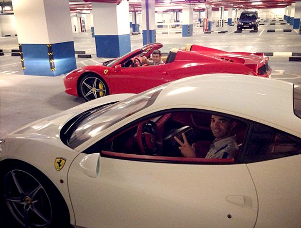carro alex e diego tardelli  (Foto: Reprodução / Instagram)
