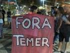 Manifestantes protestam contra Temer na Praça da Revolução no Acre