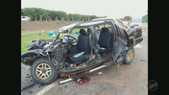 Seis ficam feridos em acidente entre caminhão e caminhonete em rodovia de Bebedouro, SP