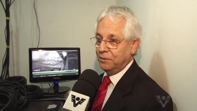 José Renato Leitão Teixeira - Corretor de Imóveis que encontrou a imagem do avião (Foto: Reprodução / TV Tribuna)