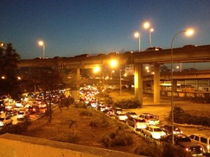 Estradas do pa&#237;s tamb&#233;m est&#227;o congestionadas (Foto: Leo Campos)