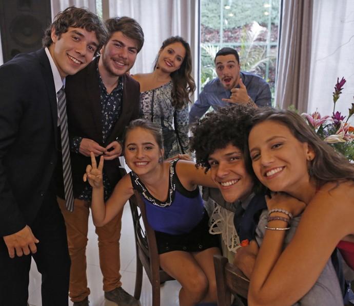 A galera reunida durante os bastidores! (Foto: Pedro Carrilho/Gshow)