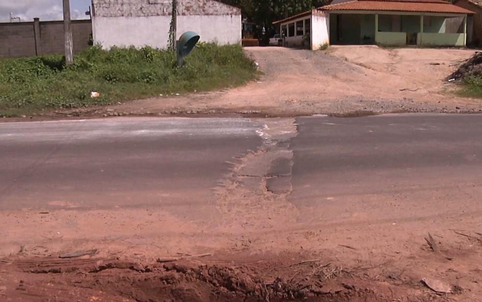 Valdinéia dos Santos Costa tentou desviar de um buraco localizado na rodovia MA-320 (Foto: Reprodução/TV Mirante)