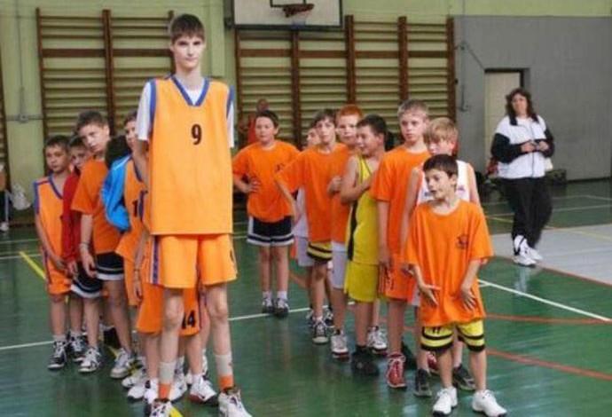 Robert Bobroczky, basquete (Foto: Reprodução / Facebook)
