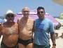 A internet adorou o jeitinho bem Eduardo Suplicy de pegar uma praia