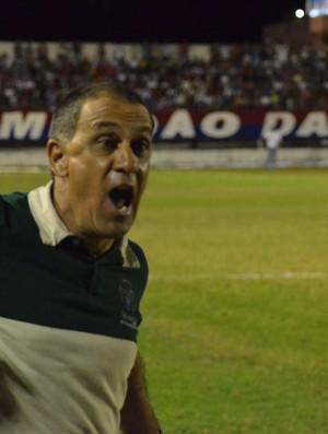 Celso Teixeira achou que placar poderia ter sido mais elástico (Foto: João Áquila/GLOBOESPORTE.COM)