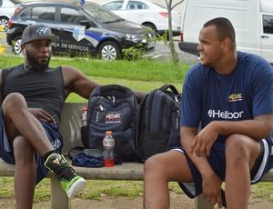 Tyrone e Paulão Mogi das Cruzes Basquete
