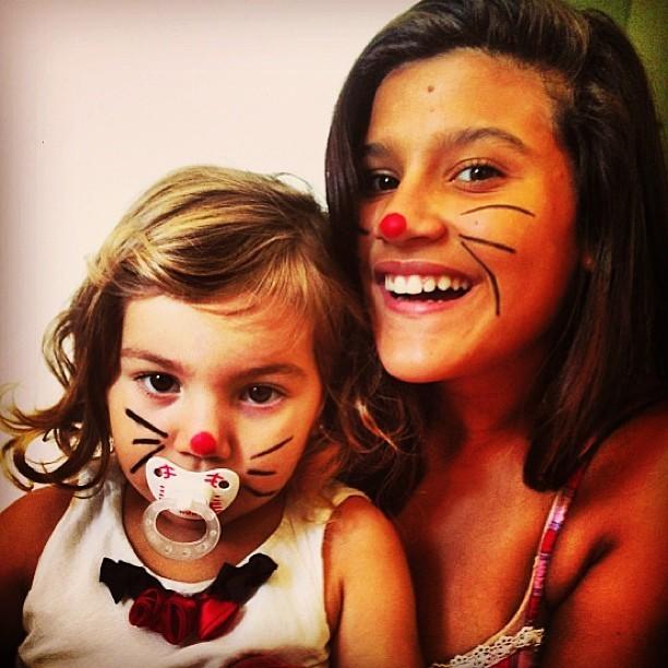Filhas de Flávia Alessandra de coelhinhas (Foto: Instagram / Reprodução)