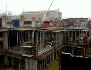 Obras na Arena da Baixada, estádio do Atlético-PR (Foto: Fernando Freire/GLOBOESPORTE.COM)