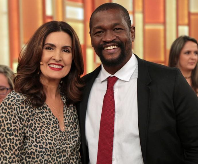 O ator Val Perré com a apresentadora  (Foto: Isabella Pinheiro/Gshow)