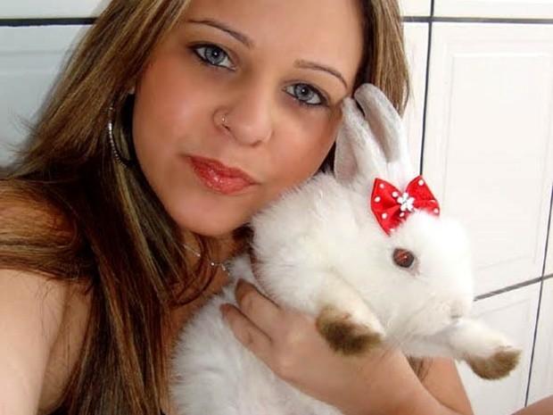 Regiane Barbosa com a Lilica: cuidado especial e carinho (Foto: Arquivo Pessoal)