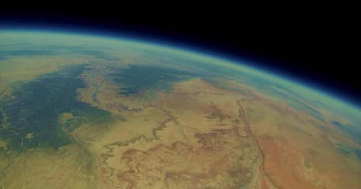 Achada após 2 anos, câmera em balão revela imagens surpreendentes de 'viagem espacial'