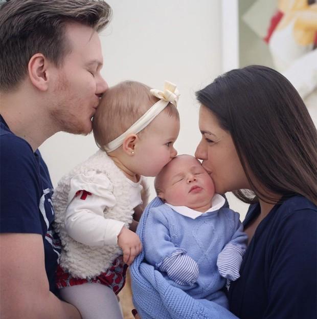Tata Fersoza e Michel Teló com filhos (Foto: Reprodução/Instagram)