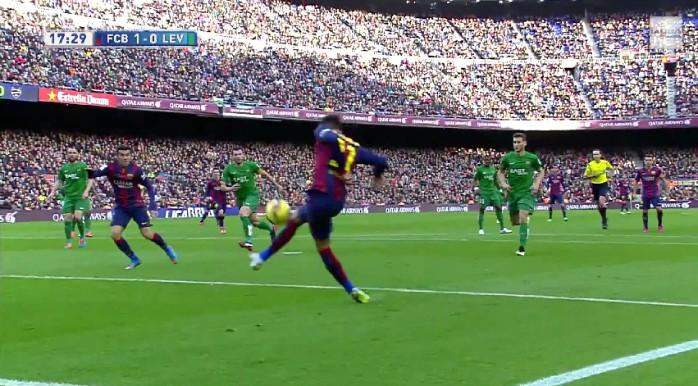 """BLOG: Neymar """"sem querer querendo"""", voleio de Suárez e show de Messi: pacotão do Barça"""