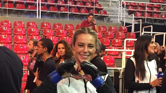 Paolla Oliveira nos bastidores do UFC: confira vídeo e fotos exclusivos!