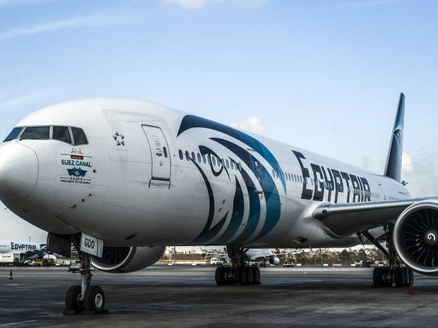 Imagem de arquivo de avião da EgyptAir na pista do Aeroporto Internacional do Cairo (Foto: Arquivo / AFP Photo)