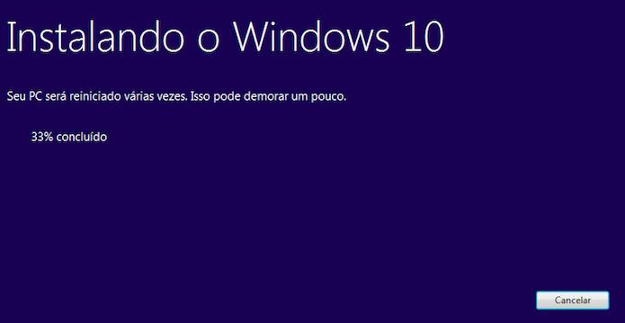Atualizando sistema para o Windows 10 (Foto: Reprodução/Helito Bijora)