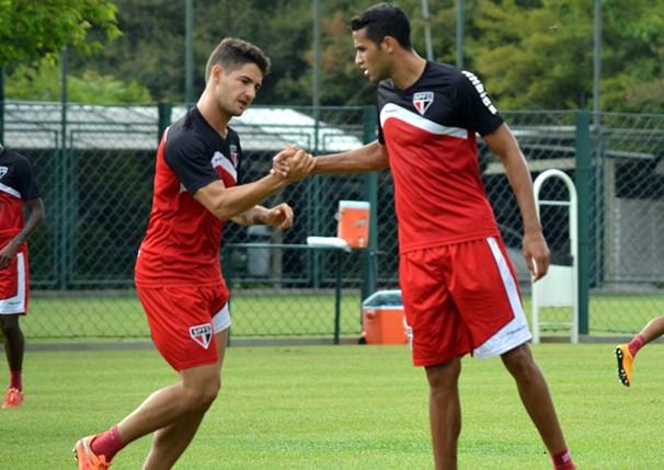 Pato deve formar dupla com Kardec no ataque do São Paulo, já que Luis Fabiano se recupera de lesão (Foto: Site Oficial saopaulofc.net / reprodução globoesporte.com)