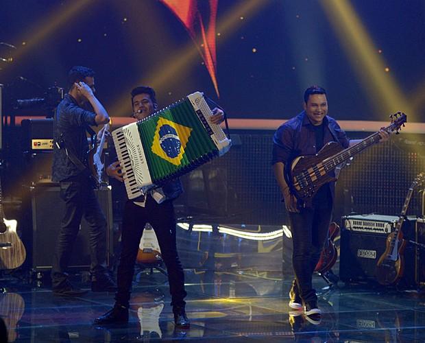 Luan e Forró Estilizado palco Top 10 (Foto: Camila Serejo/TV Globo)