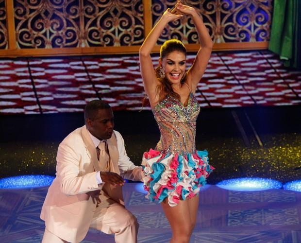 Paloma se jogou no samba (Foto: Artur Seixas/Gshow)