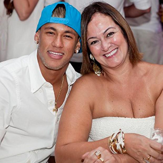 Neymar e sua mãe (Foto: Arquivo Pessoal)