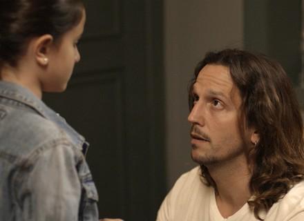 Diana conta mentira a Chiara para se reaproximar de Gui