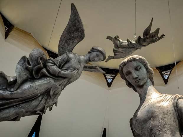 Anjos compõe a paisagem interna da Catedral de Brasília (Foto: Bruno Lemes Resende/Memora Processos Inovadores)