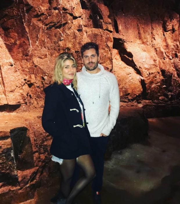 Isabela Rozental e Thiago Gagliasso em Vinã Eden (Reprodução/Instagram)