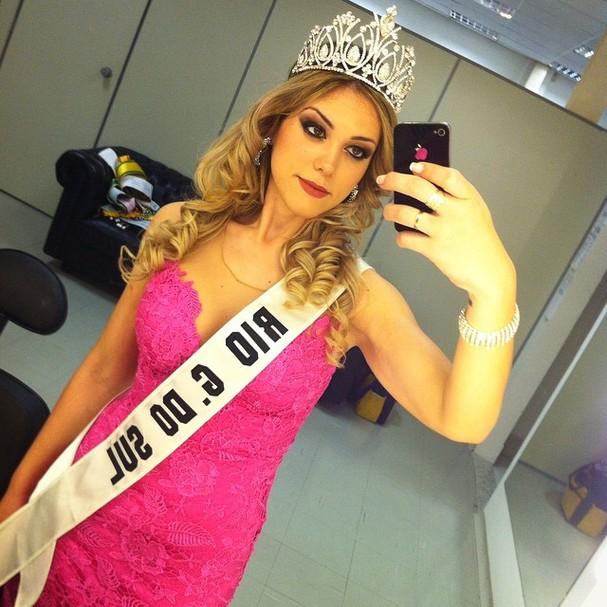 Sabrina Sgarbi chegou a pesar mais de 140 kg. Hoje, Miss Mundial, pesa 60 kg e conta como cuidou da saúde (Foto: Reprodução Instagram)