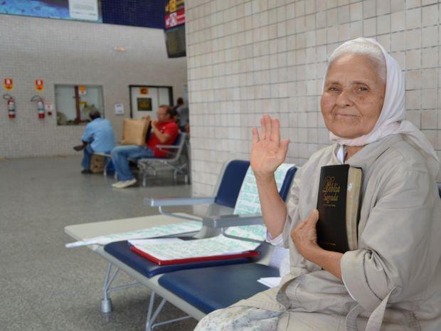 Isaura iniciou as andanças pelo país há 60 anos (Foto: Marina Fontenele/G1)
