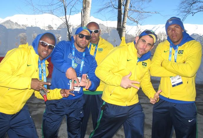 Atletas de Bobsled imitando rappers (Foto: Amanda kestelman)