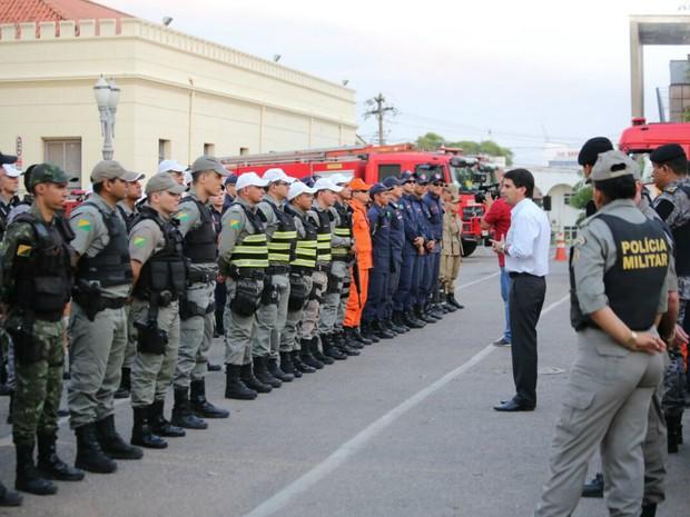Agentes da Segurança se reuniram em frente ao Comando Geral da Polícia Militar do Acre (Foto: Gleilson Miranda/Secom Acre)