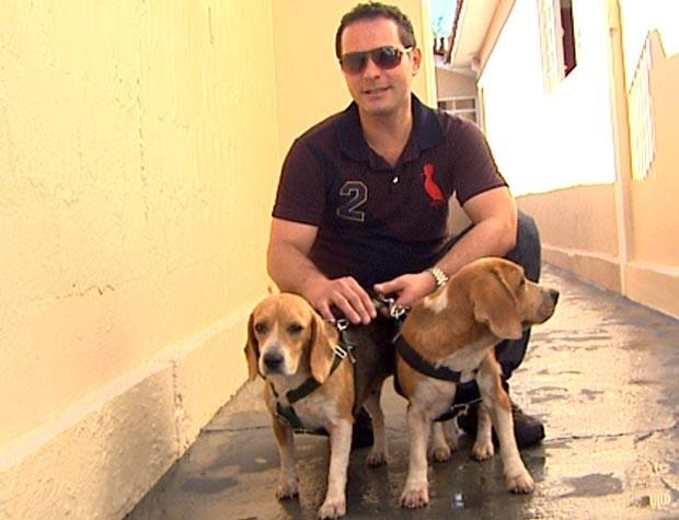 Beagles resgatadas de canil em Taquaritinga são adotadas juntas (Foto: Reprodução EPTV)