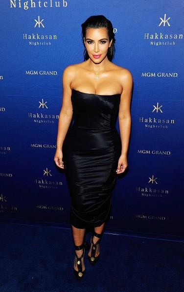 Kim Kardashian usa tubindo preto (sexy!) para noitada em Las Vegas (Foto: Divulgação)