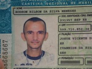 O suspeito tentou empreender fuga masi foi alcançado pela Força Tática (Foto: Marcelo Marques G1 RR)