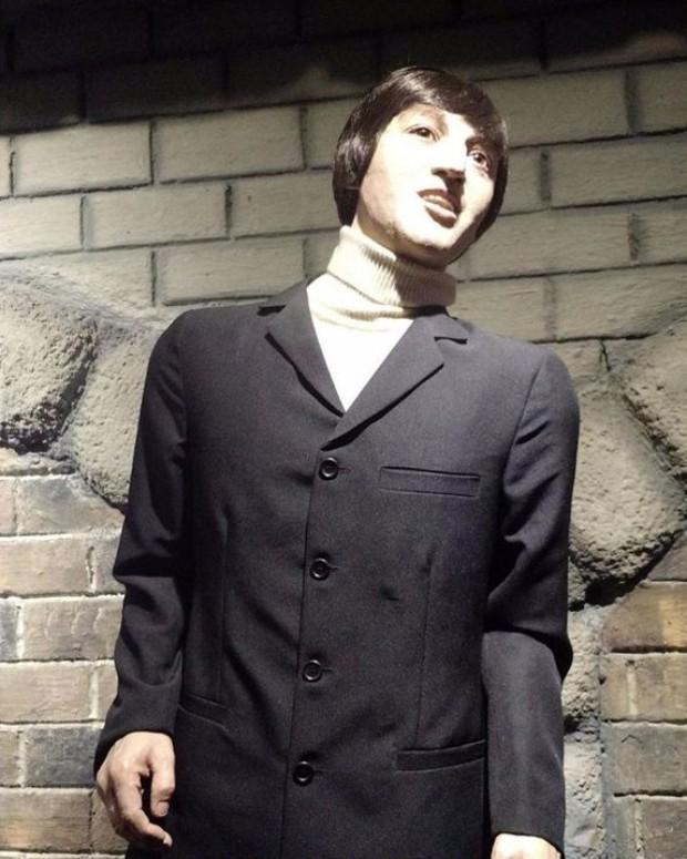 Estátua de cera de John Lennon (Foto: Reprodução)