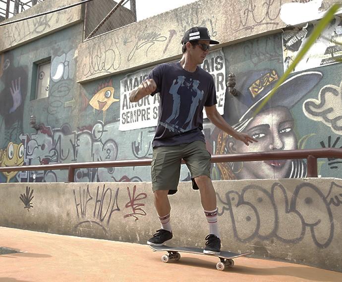 Bob mostra talento nos bastidores de Malhação (Foto: Raphael Dias/Gshow)