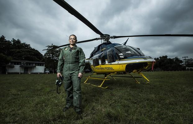 A policial federal Gilda Cardona, piloto de helicóptero da instituição. (Foto: Stéfano Martini/ Epoca)