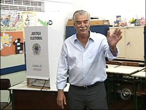 Amary foi o primeiro candidato a votar (Foto: Reprodução/TV Tem)
