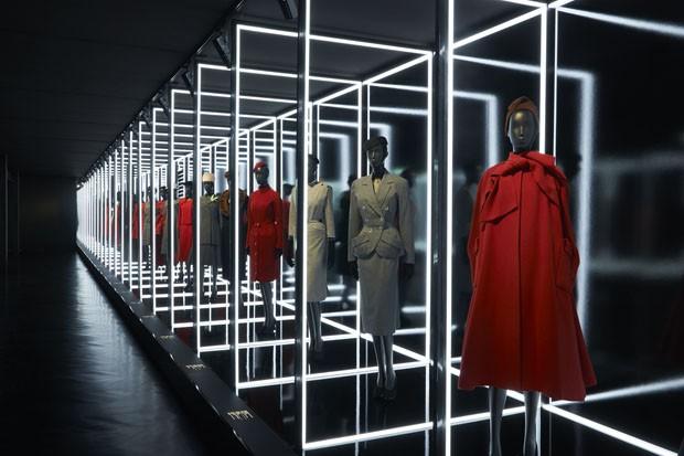 Maison Dior completa 70 anos com exposição em Paris (Foto: Divulgação)