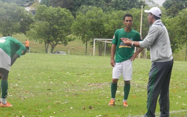 Derlan Barcelos durante jogo do Verdinho contra o União (Foto: Caroline Aleixo/GLOBOESPORTE.COM)