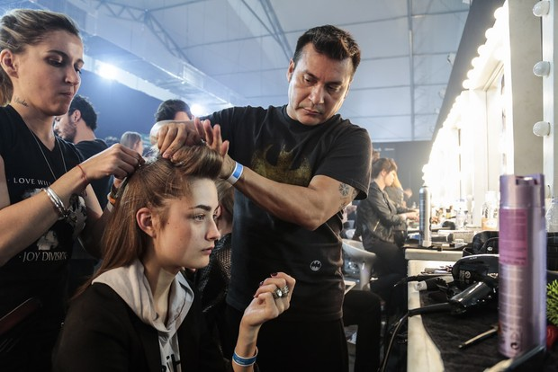 Backstage da grife Triton na SPFW (Foto: Alessandra Gerzoschkowitz / EGO)