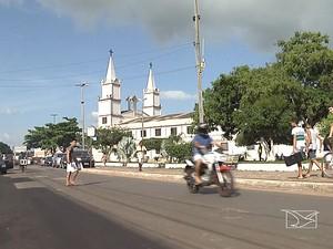 Moradores reclamam de abandono em Santa Inês (MA) após prisão do prefeito (Foto: Reprodução / TV Mirante)