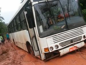 Viagem de 12 horas entre Macapá e Oiapoque passou a durar quase dois dias (Foto: Rosimere Lobato/Arquivo Pessoal)