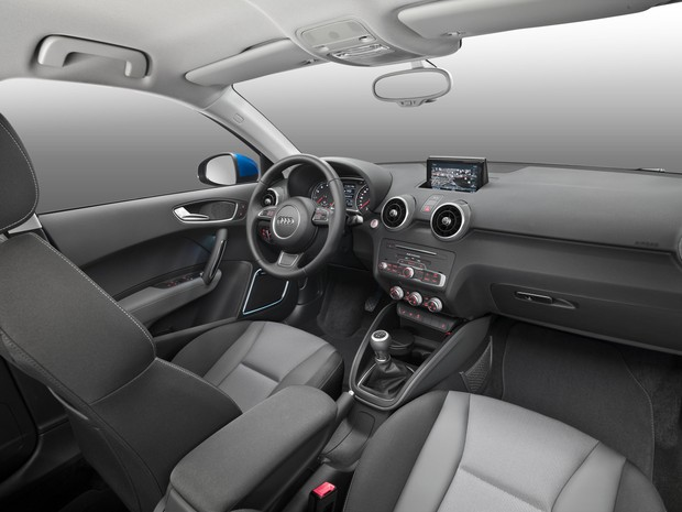 Interior do Audi A1 reestilizado (Foto: Divulgação)