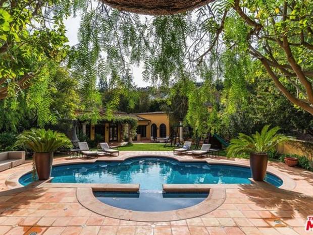 Piscina da nova casa de Kendall Jenner (Foto: Reprodução/trulia.com)