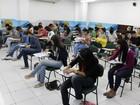 Estudantes fazem prova de vestibular da Esamaz neste domingo, em Belém