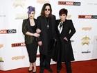 Kelly Osbourne vai com os pais a premiação nos Estados Unidos